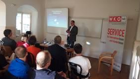 Jürgen Tomek erklärt die Einteilung im Online Marketing und die Möglichkeiten in den einzelnen Bereichen